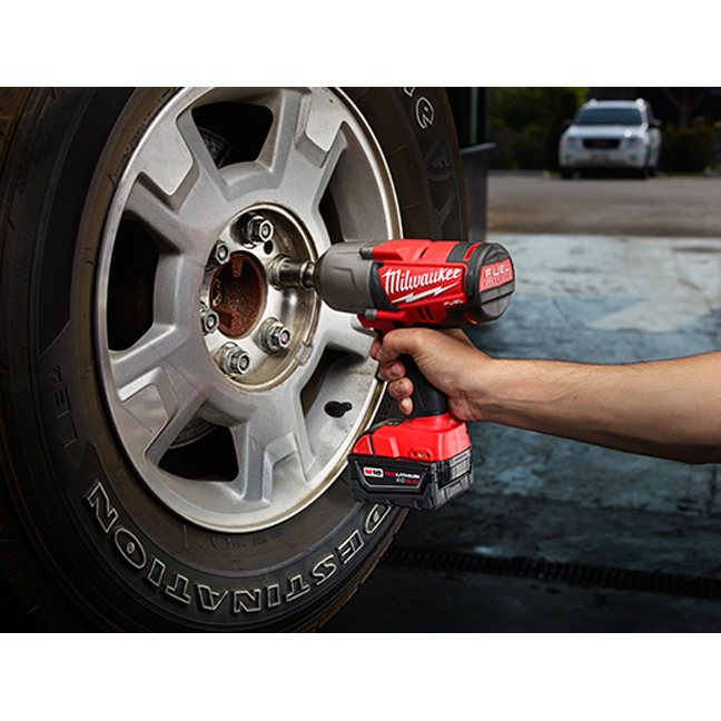 Milwaukee 2763-20 M18 Fuel Impact Wrench - Friction Ring In Use 1