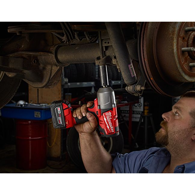Milwaukee 2763-20 M18 Fuel Impact Wrench - Friction Ring In Use 3