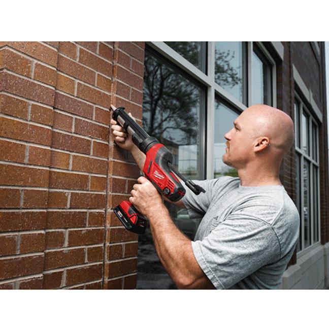 Milwaukee 2641-20 M18 Cordless Caulk and Adhesive Gun In Use 1