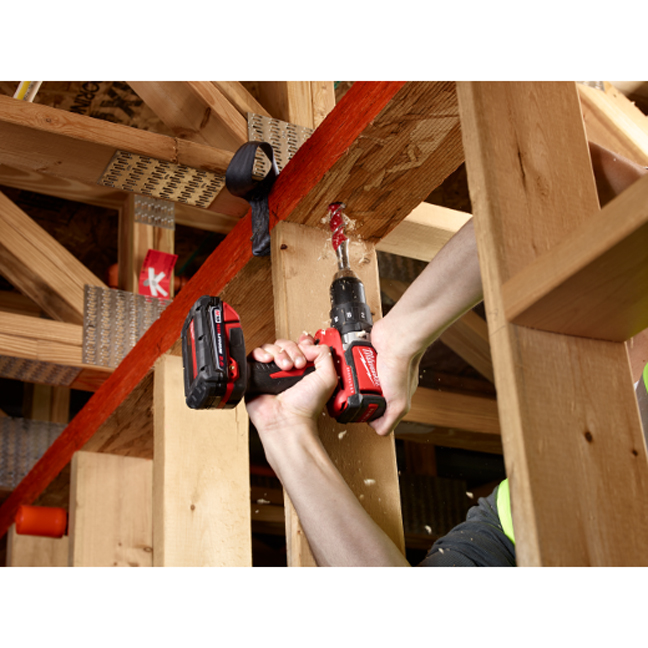 Milwaukee 2701-20 M18 Compact Brushless Drill Driver In Use 4