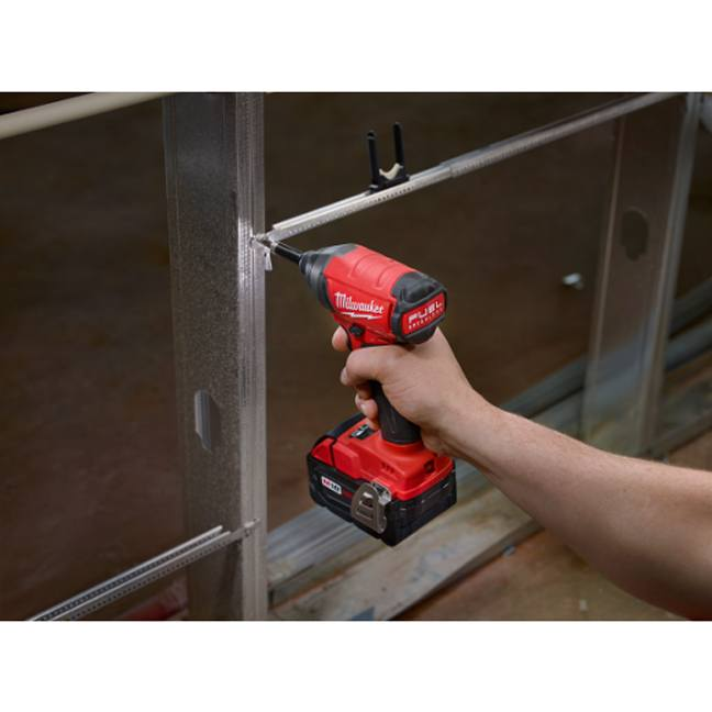 Milwaukee 2753-20 M18 FUEL Hex Impact Driver In Use 6