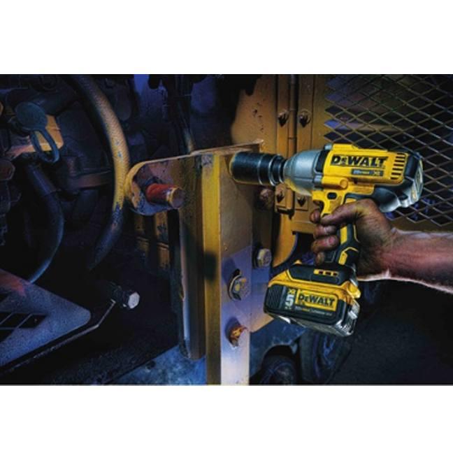 DeWalt DCF899B 20V MAX XR Brushless Impact Wrench In Use 2