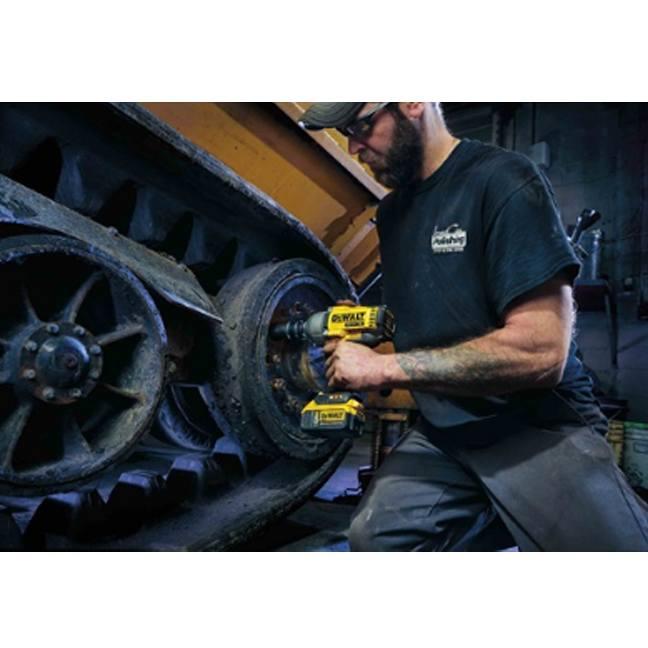 DeWalt DCF899B 20V MAX XR Brushless Impact Wrench In Use 3