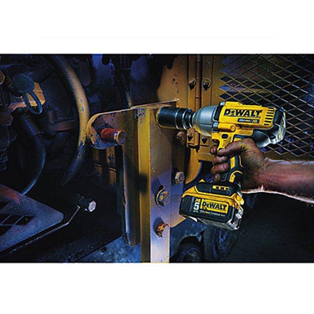 DeWalt DCF899P2 20V MAX XR Brushless Impact Wrench Kit In Use