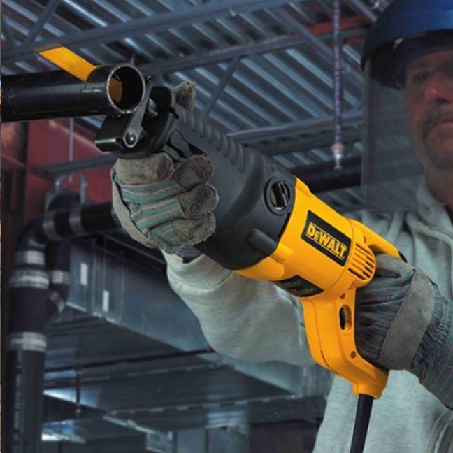DeWalt DW311K 13 Amp Reciprocating Saw Kit 5