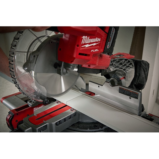 Milwaukee 2734-21HD M18 FUEL Dual Bevel Sliding Compound Miter Saw Kit In Use 2