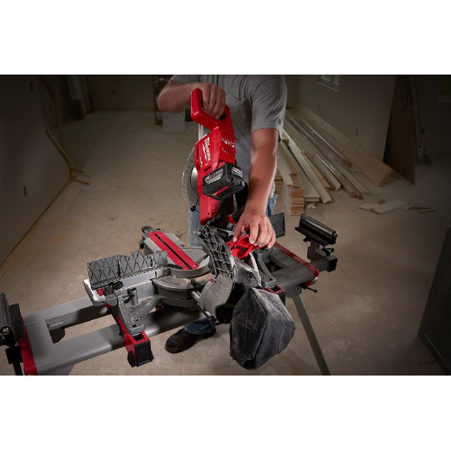 Milwaukee 2734-21HD M18 FUEL Dual Bevel Sliding Compound Miter Saw Kit In Use 4
