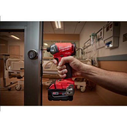 Milwaukee 2760-20 M18 FUEL SURGE Hex Hydraulic Driver In Use 1